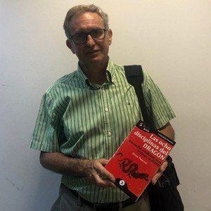Emilio González ya tiene su GuíaBurros Las ocho disciplinas del dragón