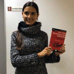 Paula Artal ya tiene su GuíaBurros Las ocho disciplinas del dragón